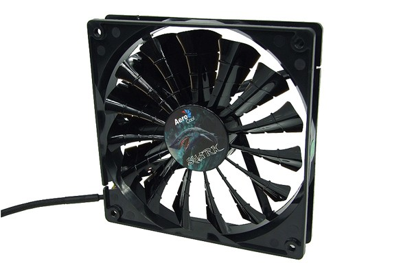 Aerocool Shark Fan Black Edition - bright black (120x120x25mm)